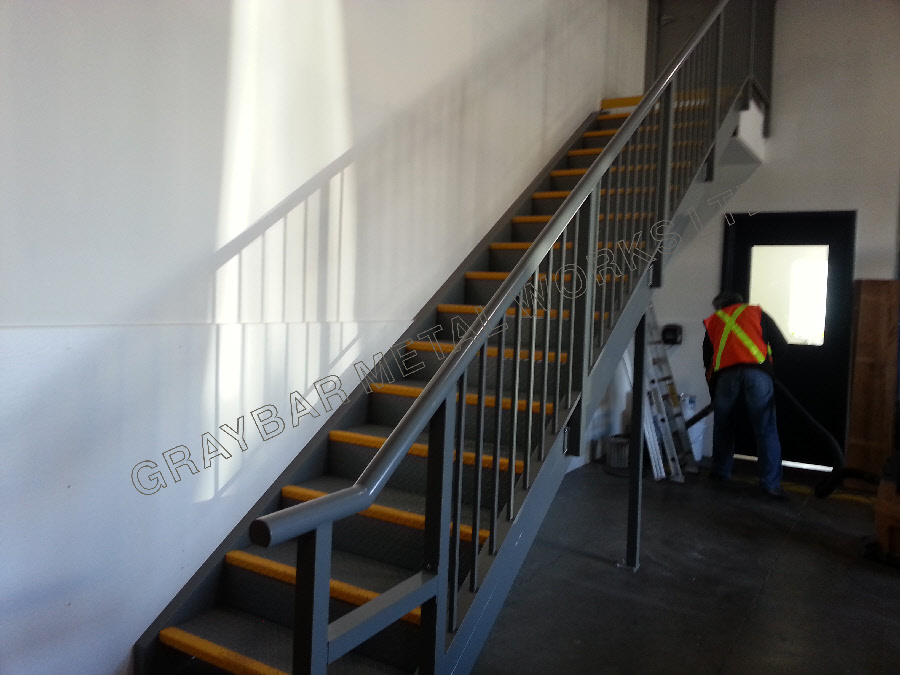 Products   Aluminum Staircase